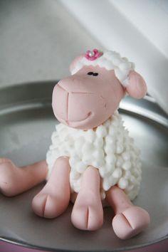 Fondant Sheep Picture cakepins.com Sheep Fondant, Sheep Cupcakes, Fondant Animals, Polymer Clay Ornaments, Polymer Clay Figures, Fondant Figures, Duck Cake, Farm Cake, Spring Cake
