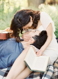 Picnic Engagement Session in California   Wedding Sparrow   The Great Romance Photo