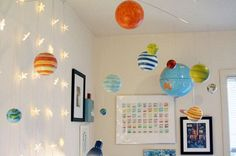 i so love the planet mobile and the star lights for Outer Space Nursery Space Themed Nursery, Nursery Themes, Room Themes, Nursery Ideas, Outer Space Bedroom, Outer Space Theme, Baby Boy Rooms, Baby Boy Nurseries, Kids Rooms