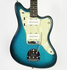 vintage 1963 Fender Jazzmaster in custom Green Sparkle Sunburst | via c-nelson