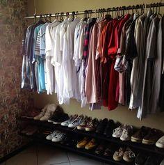 Faça você seu próprio closet! Confira o passo a passor pra fazer araras e prateleiras
