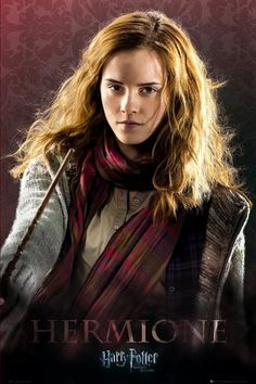 Harry Potter and the Deathly Hallows: Part 1 - Hermione Granger Harry Potter Hermione, Harry Potter Poster, Harry Potter World, Arte Do Harry Potter, Harry Potter Universal, Harry Potter Characters, Hermione Granger Costume, Slytherin, Hogwarts