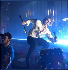 Luke falling why am i laughing? T-T