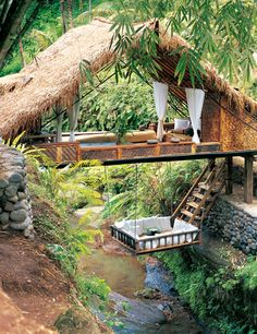 Bali Paradise- owned by Linda Garland, an Irish designer who has lived in Bali since the early 70's - hope she stocks up on bug spray! I would deal with bugs for a few nights here
