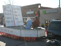 Picture Christmas Parade Float | Photo Gallery - Christmas Parade 2010
