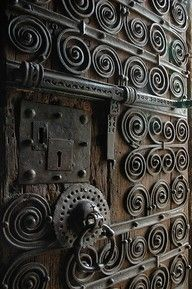 Intricate details....i adore wrought iron and hand forged steel.