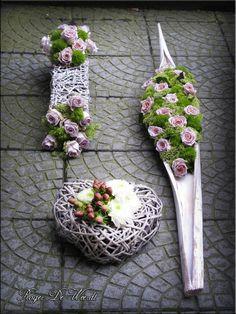 ♥ ~ ♥ Spring into Easter ♥ ~ ♥ Funeral Flower Arrangements, Modern Flower Arrangements, Funeral Flowers, Design Floral, Deco Floral, Arte Floral, Grave Decorations, Flower Decorations, Ikebana