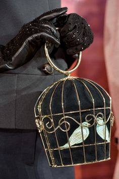 Kate Spade Fall 2014 - Details purse+gloves= totally sweet!