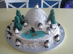- This was for my daughter& christmas party at school. Penguins are made of fondant. Igloo was carved from doll pan with fondant squares all over. Christmas Cake Designs, Christmas Cake Decorations, Holiday Cakes, Christmas Cakes, Christmas Wedding, Creative Wedding Cakes, Creative Cakes, Igloo Cake, Penguin Birthday