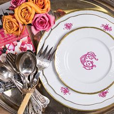 We love pairing our custom monogrammed dishes with timeless vintage finds! | China Vintage Heirloom & Sasha Nicholas Dinnerware | Tablescapes | China