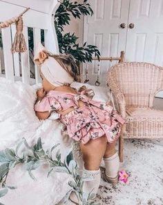 Camila Vintage Rose Floral Ruffled Romper – Ruffles Baby Fall Fashion, Fall Fashion 2016, Holiday Outfits, Trendy Outfits, Girl Outfits, Ruffle Romper, Baby Girl Romper, Swimwear Clearance, Knee Highs