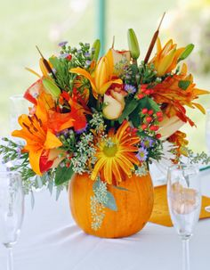 Fall Wedding Flower Centerpieces | http://simpleweddingstuff.blogspot.com/2014/06/fall-wedding-flower-centerpieces.html