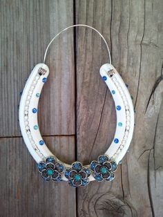DECORATED Horseshoe Swarovski Crystals Gift for Cowgirl Cowboy Country Western Home Wall Decor Equestrian Rodeo Lucky Horse Shoe Good Luck Horseshoe Projects, Horseshoe Crafts, Lucky Horseshoe, Horseshoe Art, Horseshoe Ideas, Horseshoe Decorations, Metal Projects, Country Western Decor, Western Crafts