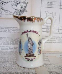 VINTAGE Statue of Liberty Liberty Island NEW YORK by jennyelkins, $8.50