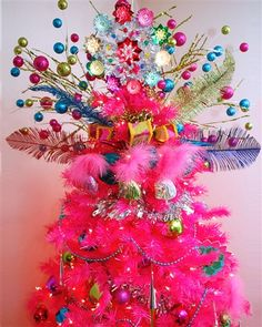 Some Like It Hot Pink Christmas Tree #SomeLikeItHot #PinkChristmasTree