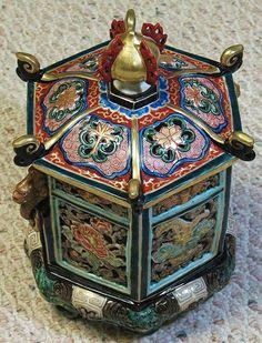 Japanese Arita Imari 18th century porcelain articulated incense burner