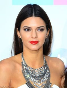 Kendall Jenner perfect red lips, but look at the strong lips AND eyes. Hallelujah!!