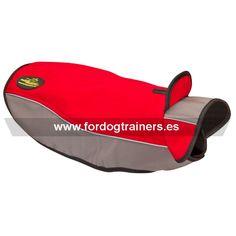 #Abrigo para #perros de #nylon #impermeable ideal para paseos en temporadas frías y lluviosas. Disponible en tallas para todas las razas. Haga clic para ver más detalles https://www.fordogtrainers.es/index.php/arneses/sudadera-perro-reflectante-de-nylon-capa-chubasquero-detail