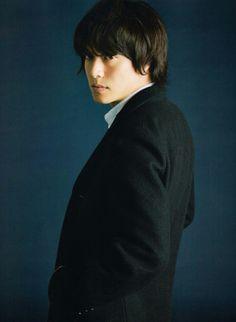 丸山隆平 Crazy About You, Japanese Boy, Boy Bands, Actors & Actresses, Boys, Face, Photography, Beauty, Orange
