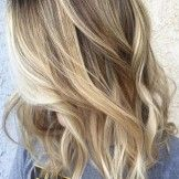 Elegant Assorted Blonde Toned Highlights with Natural Mid Tones Short Hairstyle