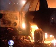 Fuego consume dos vehículos en Hatillo y Pavas