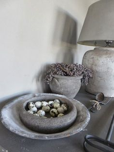 Could DIY this by dipping a thrift store bowl in concrete. Concrete Projects, Diy Projects, Tadelakt, Diy Interior, Rustic Interiors, Rustic Chic, Wabi Sabi, Diy Furniture, Diy Home Decor