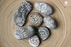 Steine bemalen mit schönen Mustern