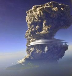 Éruption d'un volcan