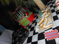 Hot Wheels Birthday, Hot Wheels Party, 2nd Birthday Parties, Birthday Candles, Party Ideas, Facebook, Cake, Desserts, Food