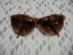 f51829a505005 Óculos Escuros Retrô Estilo Gatinho Tartaruga e Dourado