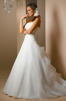 Essense Of Australia D584 Wedding Dress On Sale $334 Size 8 #tourofelegancebridal