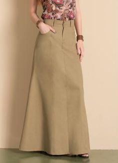 Saia Longa de Sarja (Bege) Modest Outfits, Stylish Outfits, Skirt And Top Dress, Hijab Style Tutorial, Hijab Stile, Fashion Dresses, Hijab Fashion, Dress Sewing Patterns, Fashion Sewing