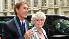 awesome Cliff Richard: rapport de raid de la BBC 'choquant et bouleversant'