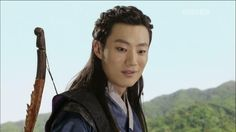 Lee Hee-jun's awesome guyliner in Jeon Woo-chi