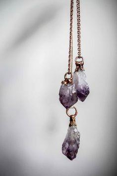 He encontrado este interesante anuncio de Etsy en https://www.etsy.com/es/listing/222956832/beautiful-raw-amethyst-quartz-crystal