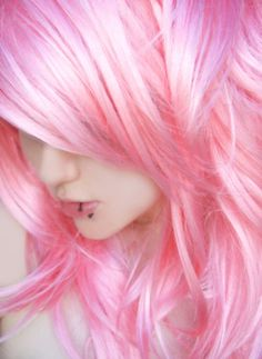 #pretty #scene #girl #emo #teenager #pierced #lips #pink #hair #moony_face