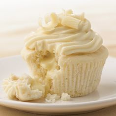 White Chocolate Cupcakes with Truffle Filling - Recipes | The Pampered Chef