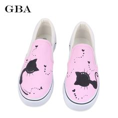 Cats in Love slip on canvas sneakers. Round toe shoes featuring a fun and  cute cat decoration. f9469e31f6b