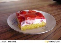 Jahodový řez se smetanou a želatinou recept - TopRecepty.cz Summer Cakes, Sweet Recipes, Nova, Cheesecake, Food And Drink, Dessert Recipes, Cooking Recipes, Sweets, Baking
