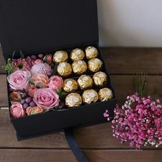 All Details You Need to Know About Home Decoration - Modern Diy Gift Box, Easy Diy Gifts, Diy Crafts For Gifts, Bouquet Box, Gift Bouquet, Bouquet Flowers, Flower Box Gift, Flower Boxes, Gift Flowers