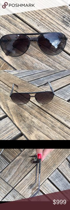 Louis Vuitton Sunglasses Great used condition preloved Louis Vuitton aviator sunglasses . Light wear from normal use. Very tiny and few minimal scratches see photos . Authentic no box no trades . Can be Unisex style wise. Louis Vuitton Accessories Sunglasses