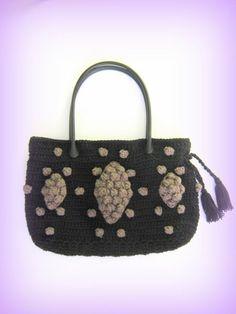 Sac à main noir petites boules noisettes taupe au crochet : Sacs à main par c-comme-celine Celine, Taupe, Straw Bag, Creations, Comme, Etsy, Vintage, Bags, Crochet Purses