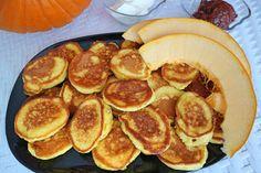 Kürbis-Oladi – leckeres Herbstrezept für sehr zarte Küchlein mit Kürbis Kefir, Peach, Fruit, Breakfast, Food, Cakes, Breakfast Cafe, Peaches, Essen