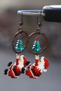 Christmas jewelry with source links