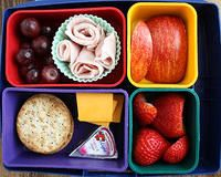 I really want a little bento box like this with removable compartments to make my lunches in.