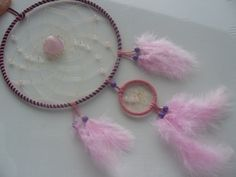 Rosenquarz Herz im rosa blauen Traumfänger von Dreamcatcher calidad - buena suerte - piedras de la suerte! auf DaWanda.com