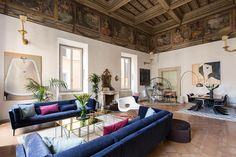 16th-century Roman palazzo combines frescoes and modern decor - Curbedclockmenumore-arrow : The Constaguti Experience combines frescoes and modern decor