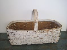 Old Primitive Original White Paint Large Gathering Basket with a Handle AAFA