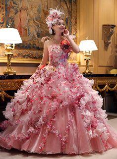 Pretty Quinceanera Dresses, Pretty Dresses, Ball Gown Dresses, Bridal Dresses, Indian Wedding Gowns, Gown Wedding, Mode Rose, Wedding Dress Patterns, Classic Wedding Dress