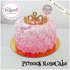 Rosecake princesa corona buttercream fondant